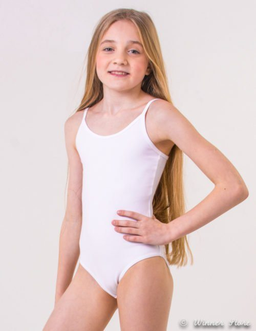 белый гимнастический купальник